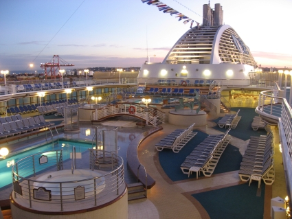 Sun Princess Lido deck