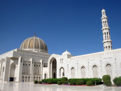 Grand Mosque in Muscat - photo by Rob McFarland