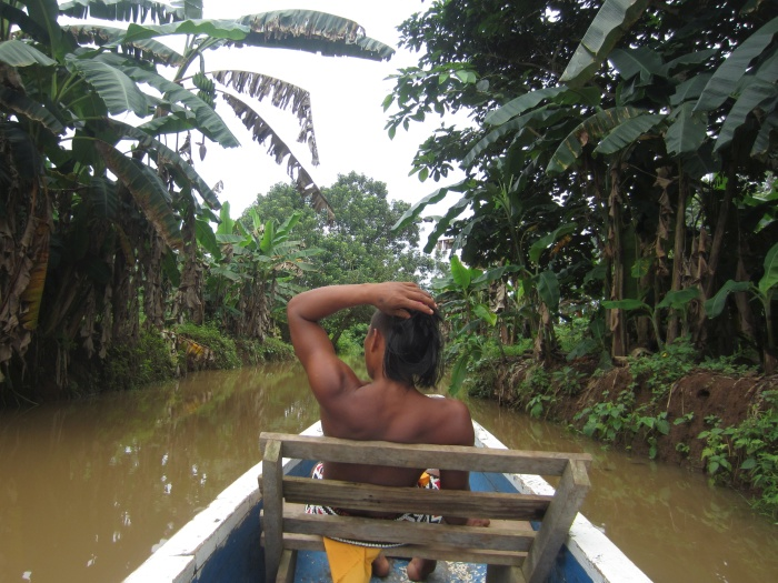 Boat trip to Embera Quera village in Panama - photo by Rob McFarland